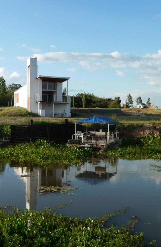 Cabañas sobre río Ubajay - Biagioni / Pecorari Arquitectos