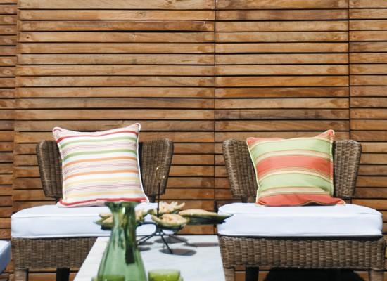 Una terraza con pileta, terraza, decoracion, diseño, muebles