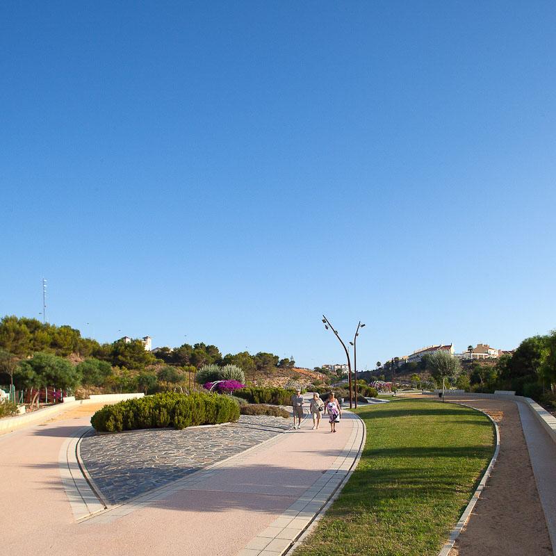 Arquitectura Paisajista: Parque Aromático de Torreblanca - Carme Pinós