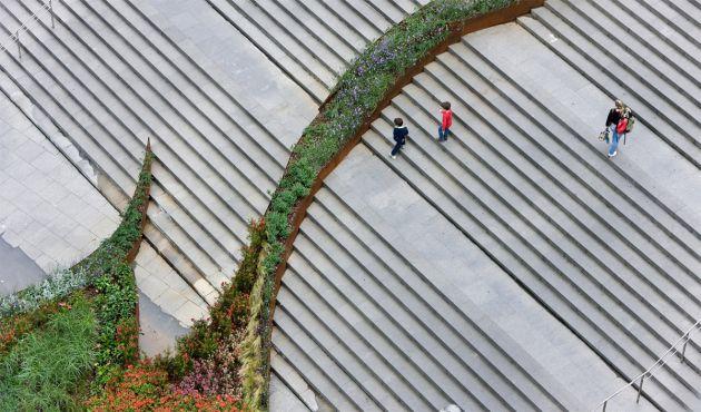Arquitectura Paisajista: El jardín que trepa los peldaños - Balmori Associates, diseño, paisajismo